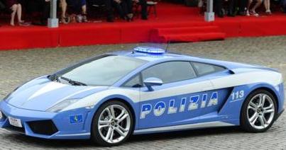 دنیا کی تیز ترین (اور مہنگی ترین) پولیس کاریں