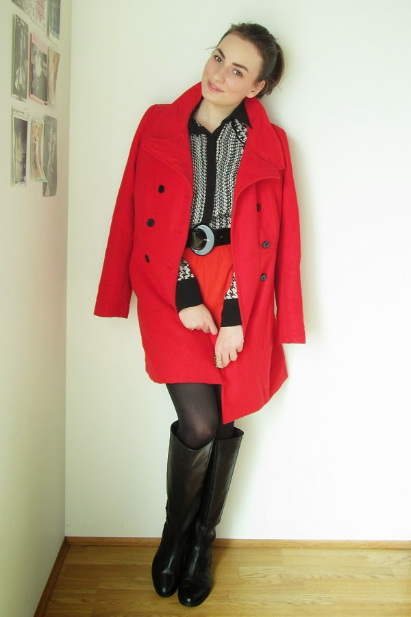 Red Color, Dogtooth Print