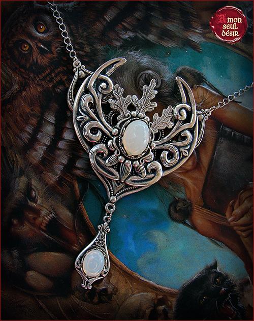collier croissant de lune wicca magie blanc opale pierre de lune opalite sorcière blanche moonchild