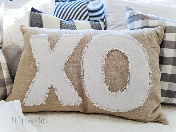 XO Valentines pillow
