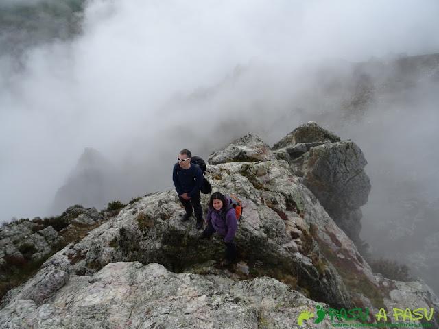 Ruta al Pico Castillo y la Rozada: Accediendo a la cima del Pico Castillo
