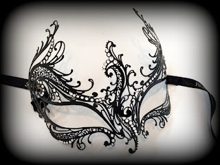 Rugiada Filigree Mask
