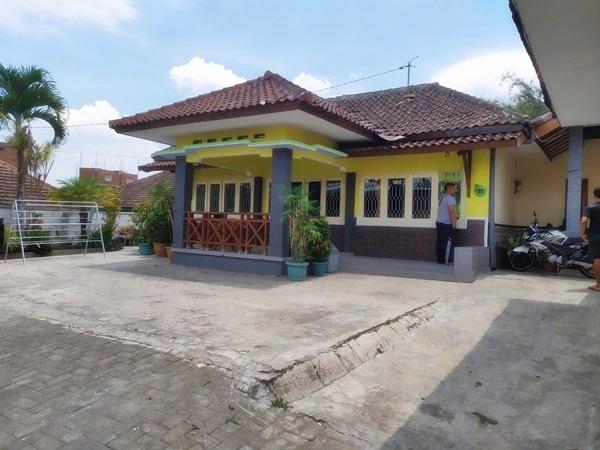 Villa dengan ruang kumpul yang luas