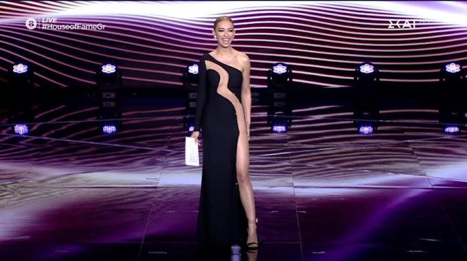 Η Ελένη Φουρέιρα με φόρεμα… αλά Γαρμπή άφησε άφωνους τους τηλεθεατές