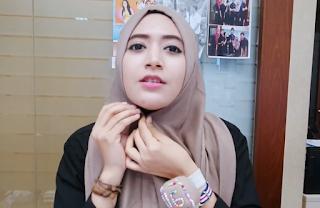 Hijab Tutorial Segi Empat natahsa farani office
