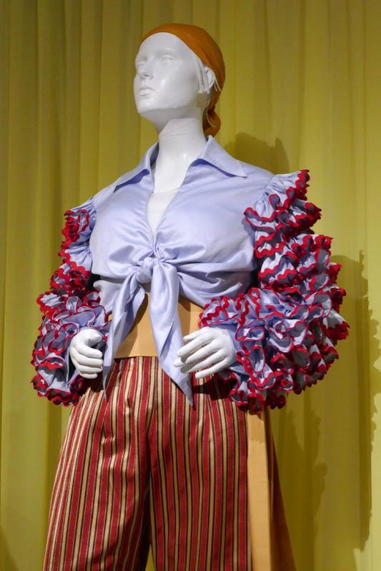 Marvelous Mrs Maisel season 2 Susie Myerson costume