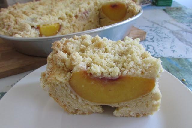 ciasto drożdżowe z brzoskwiniami