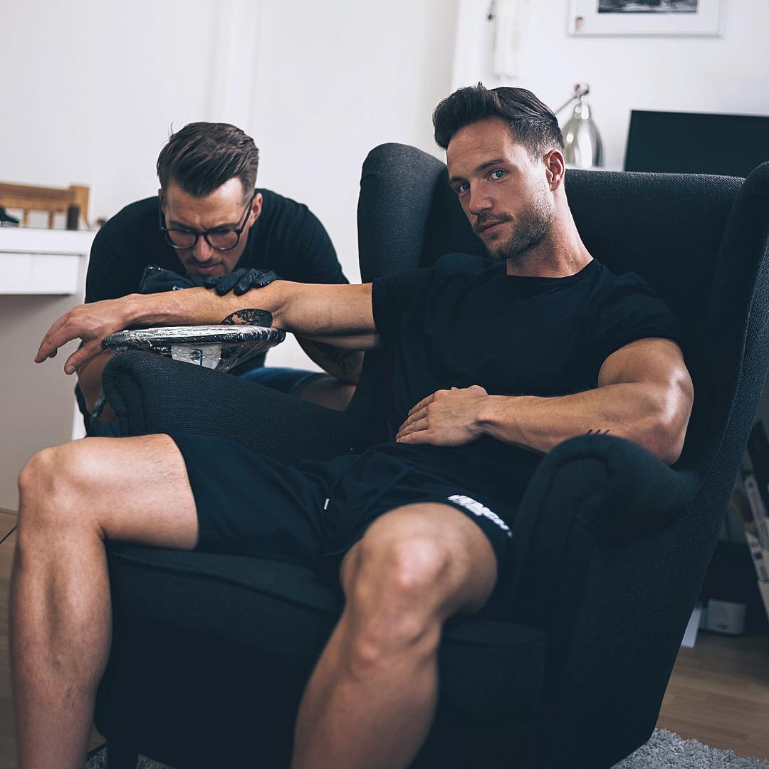 straight-sexy-cocky-daddy-hunk-getting-arm-tattoo
