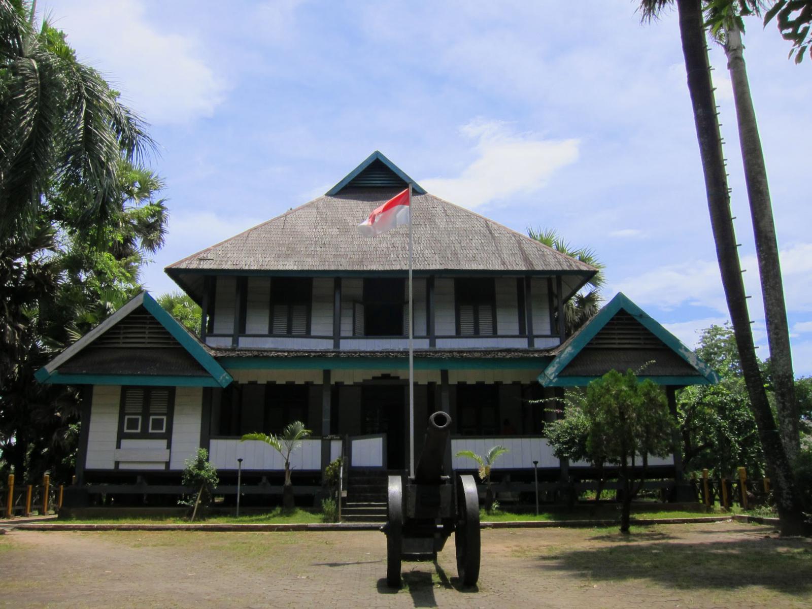 Benteng Somba dna sejaranh wisata kota makassar
