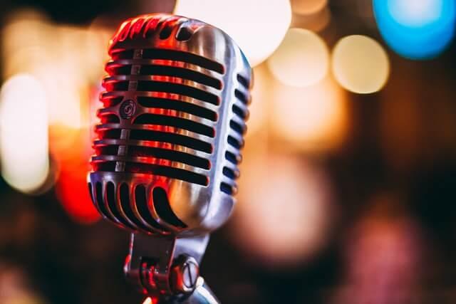 Podcast क्या है। कैसे इससे आप पैसे कमा सकते है।