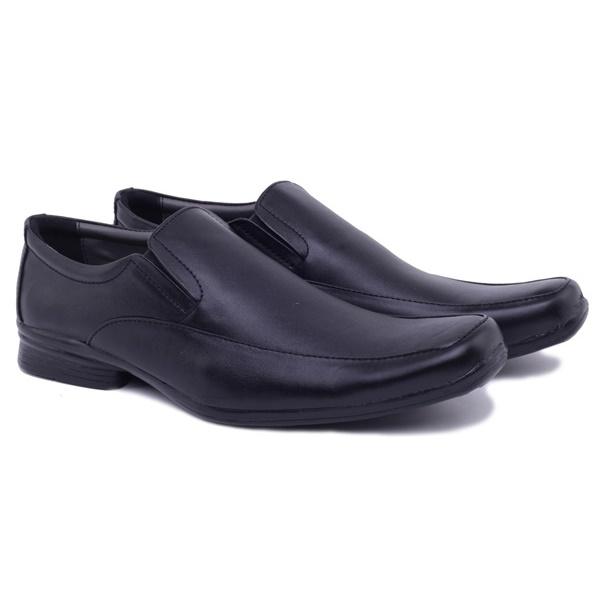 Sepatu kulit kualitas terbaik dari tangan anak Indonesia