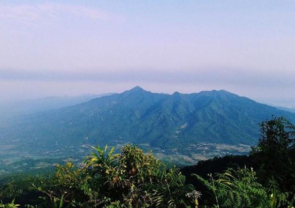 Wisata alam Gunung Pulosari