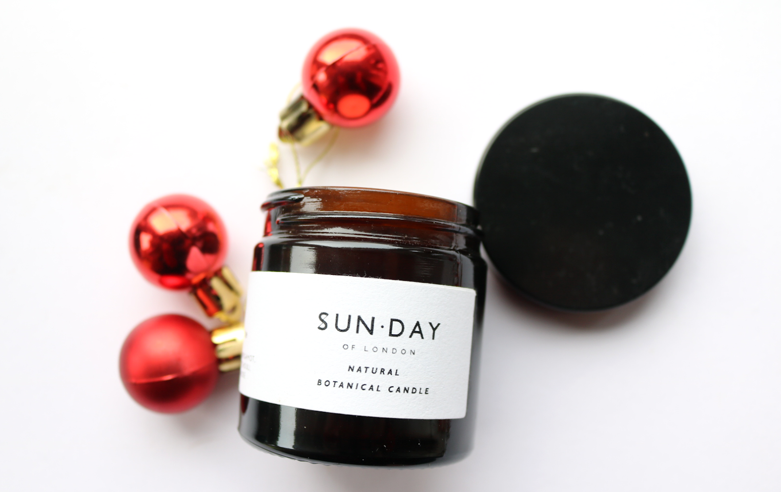 SUN.DAY Of London Natural Botanical Mini Candle in VI céleste