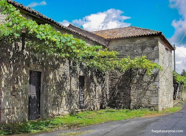 Casa de pedra típica da Galícia em Faramello, Caminho de Santiago