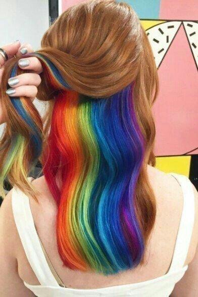 cabelo colorido em arcoiris