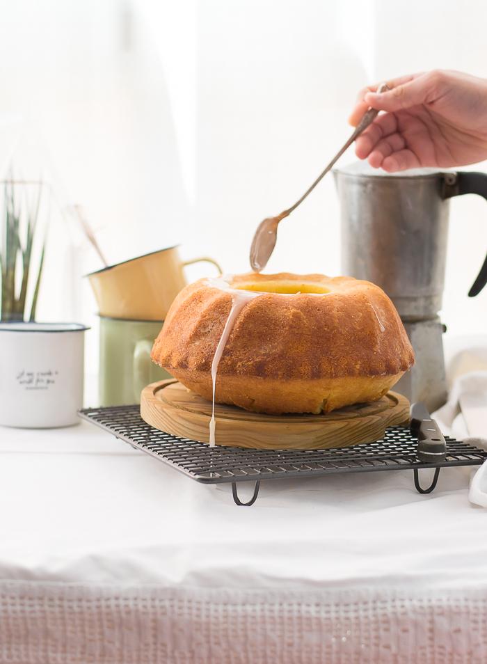 Bundt cake de limón y un recetario muy particular