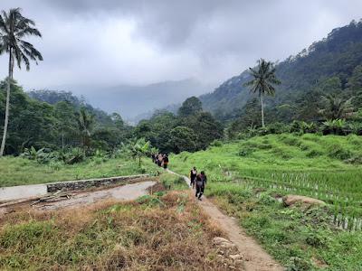 Track Menuju Gunung Sanggabuana