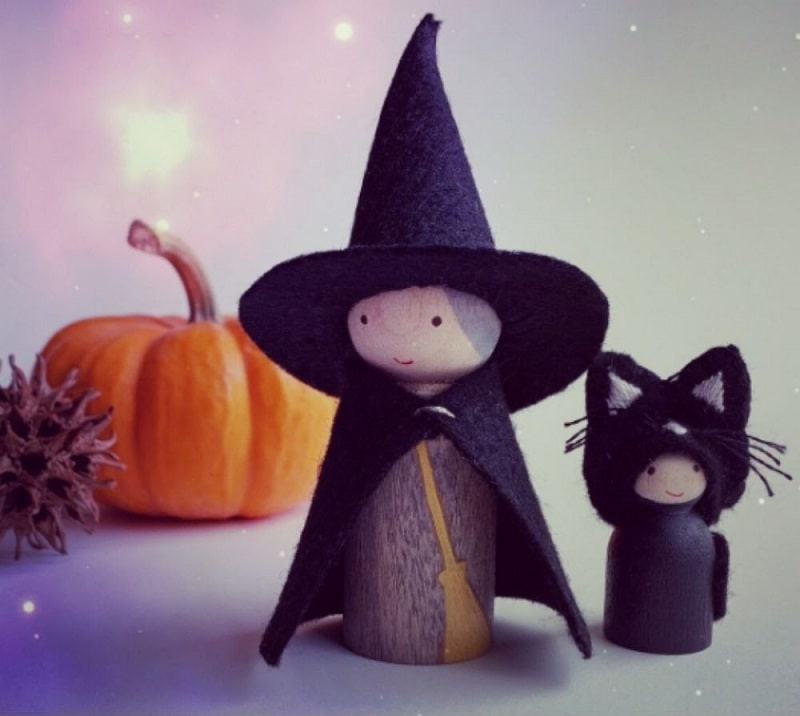 witch and cat peg dolls