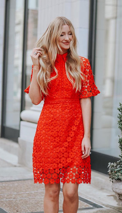 No matter what kind of date night you have planned for Valentine's Day. Here are 29 Romantic Valentines Day Outfits to Wow Your Date. Women's style + Fashion via higiggle.com | boho lace dress red | #valentine #fashion #romance #dress