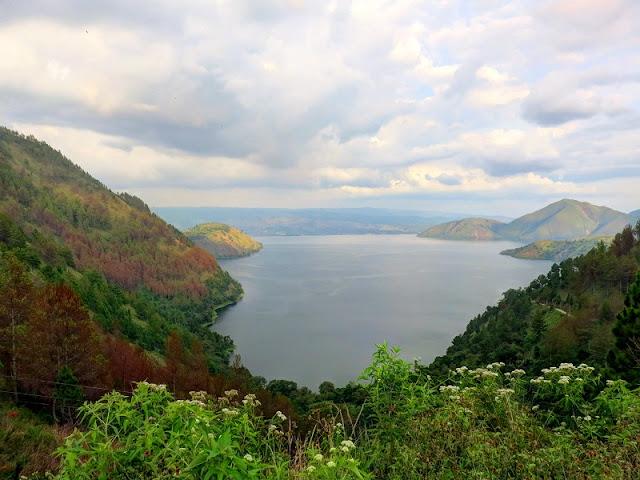 Pemandangan danau toba terbaik