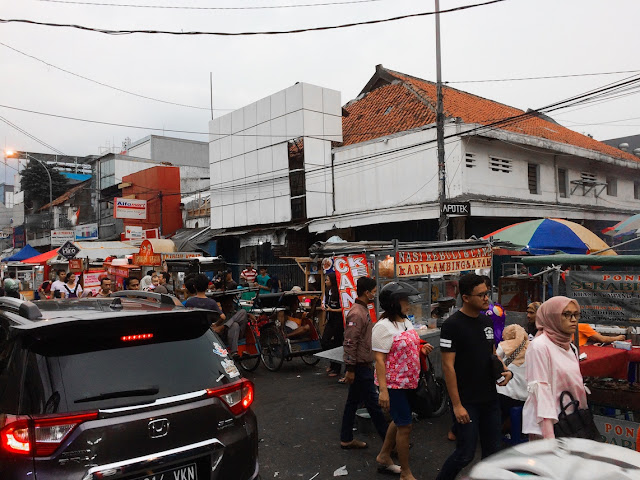 pasar lama tangerang sore hari