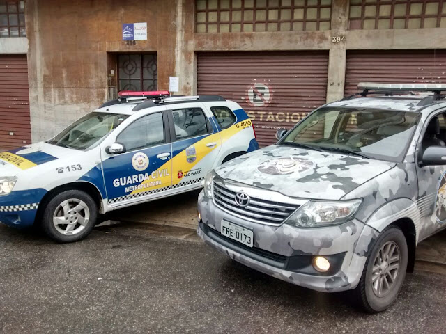 Guarda Civil de Barueri persegue por 25 Km veículo em fuga até a capital