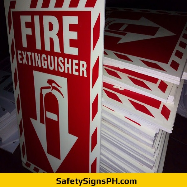 Sintraboard Glow in the Dark Fire Extinguisher Signs