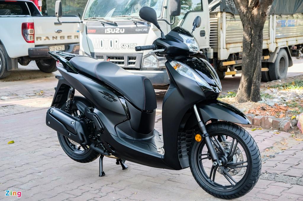Honda SH 300i phiên bản Total Black Edition giá hơn 300 triệu tại VN