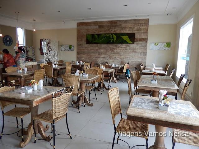 Salão do Café da Manhã no Hotel Don Quijote com serviço de buffet