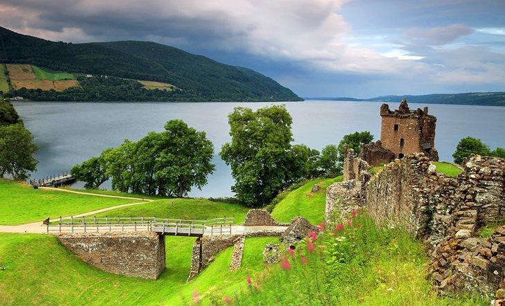 Top Ten Biggest Blots on the British Landscape