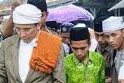 H Irzani Batik Ijo Siap disumpah Jamaah