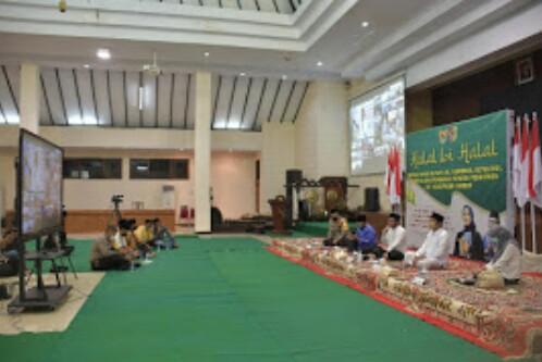Covid -19 ,Halal Bihalal Pemkab, Ajak Para Santri  Untuk Siap Hadapi Era New Normal.
