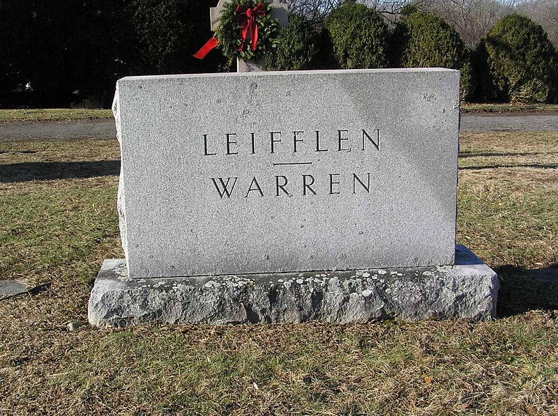 Warren's gravesite in Saint Mary's Cemetery