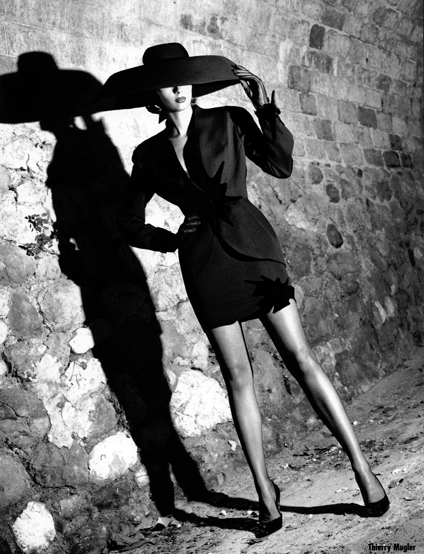 La Vie en Pose The Art of Fashion by Helmut Newton