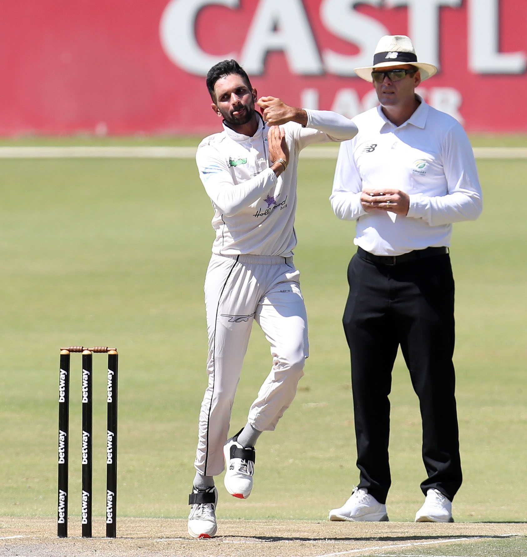 Maharaj spins Dolphins to crucial 4-day victory