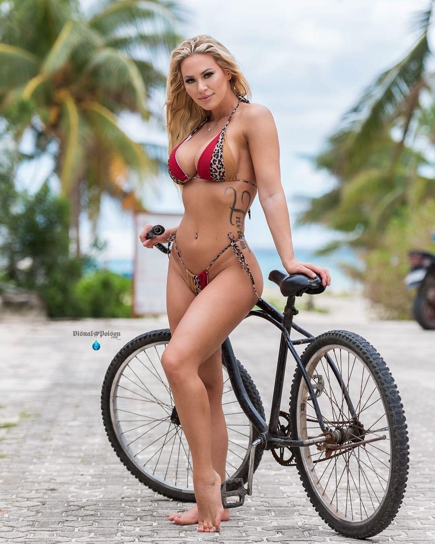 Fashion Model Kindly Myers Bikini Outdoor Photo shoot