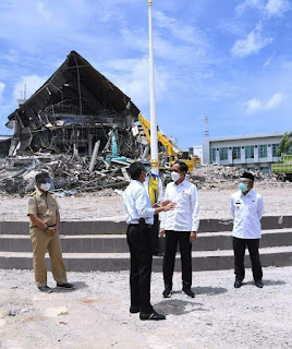 Presiden Jokowi Tinjau Kantor Gubernur Sulawesi Barat yang Terdampak Gempa