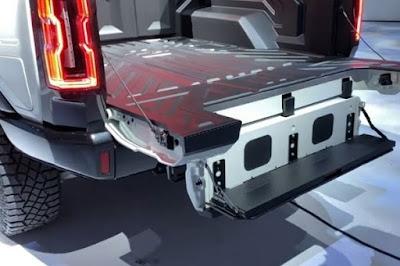 2022 Hummer Multi Pro Tailgate