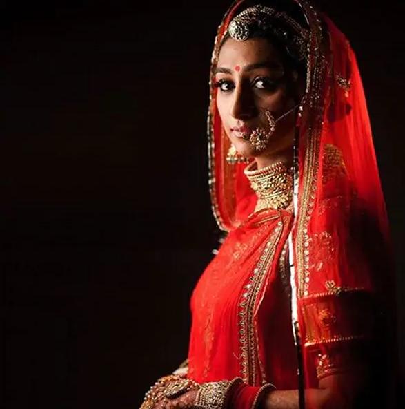 राजस्थानी लुक में कहर मचाती दिख जाती हैं Mohena Kumari Singh