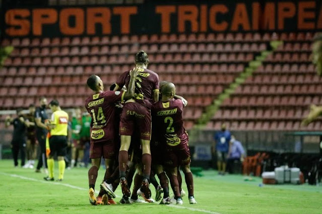 Com vantagem sobre os rivais, Sport ganha fôlego na luta contra o rebaixamento na Série A