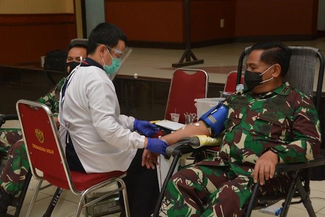 Peringati HUT TNI ke-75, Kodam III/Siliwangi  Bekerjsama PMI Bandung Gelar Donor Darah
