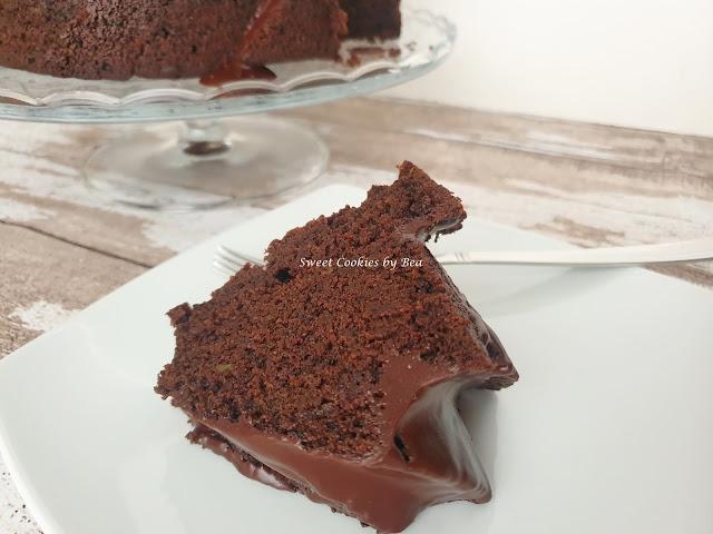 bundt cake de aguacate y algarroba
