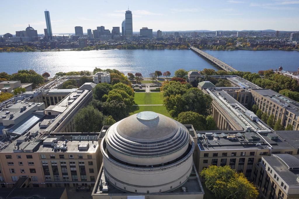 معهد ماساتشوستس للتكنولوجيا: معلومات ومتطلبات الدراسة وتاريخه وتصنيفه