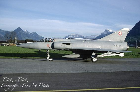 Mirage IIIS J-2331 mit scharfer AIM-9P-5 Sidewinder - WK Buochs November 1996