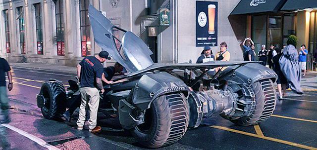 Batmobilul pe platourile de filmare Suicide Squad
