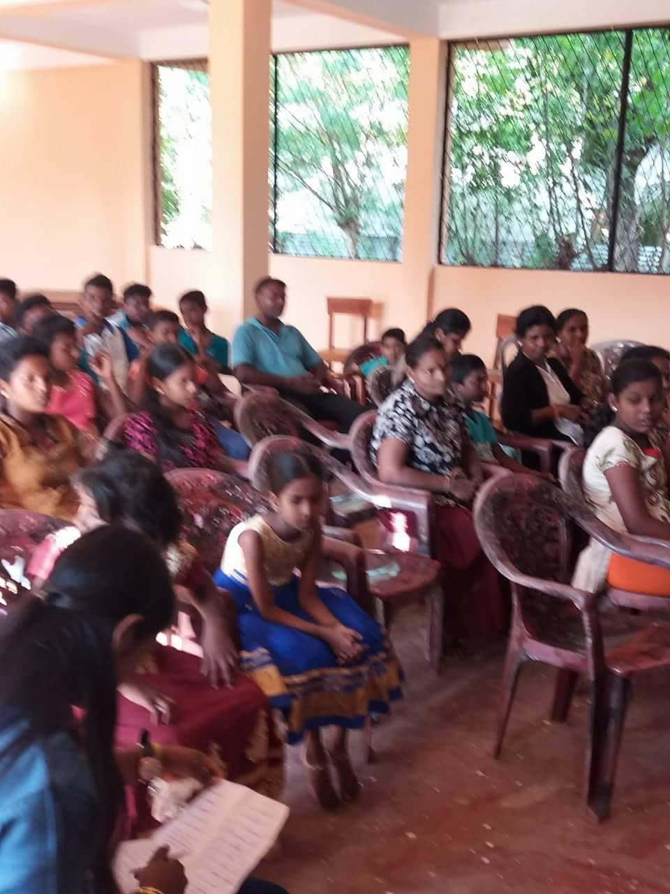 கோண்டாவில் பகுதியில் கல்வி பயிலும் மாணவர்களிற்கு கற்றல் உபகரணங்கள்!