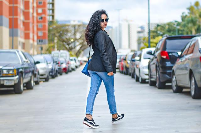 moda, fashion, trendy, tendencias, outfit, look, ootd, chic, blogger, personal style, style, estilo, stephtopia, fishnet, medias de rejilla, zapatos vans, blazer