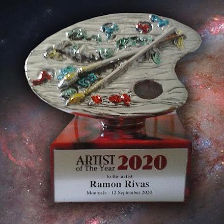 """Trofeo del Premio Internacional """"Artista del Año 2020"""", entregado al artista español Ramón Rivas"""