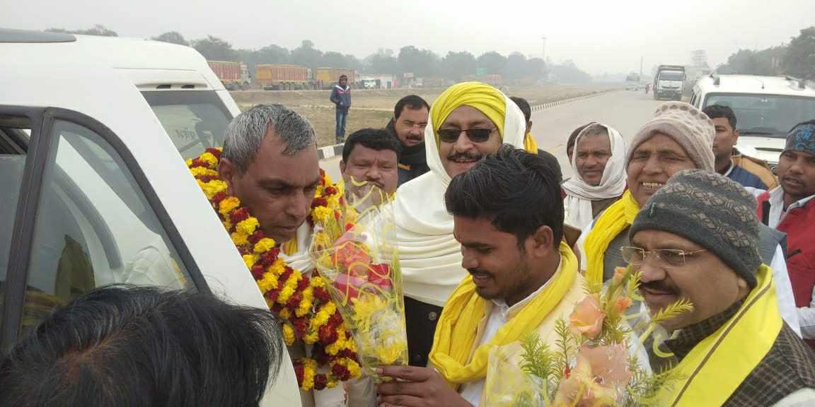 Siddharth%2BRajbhar%2Bvaransi%2B3 वाराणसी युवा जिला अध्यक्ष द्वारा वाराणसी की धरती पर मा. ओमप्रकाश राजभर जी का स्वागत ।