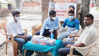 #JaunpurLive :  युवा पत्रकार आनंद ग्रामीणों को कोरोना टीका लगवाने के लिए कर रहे जागरूक